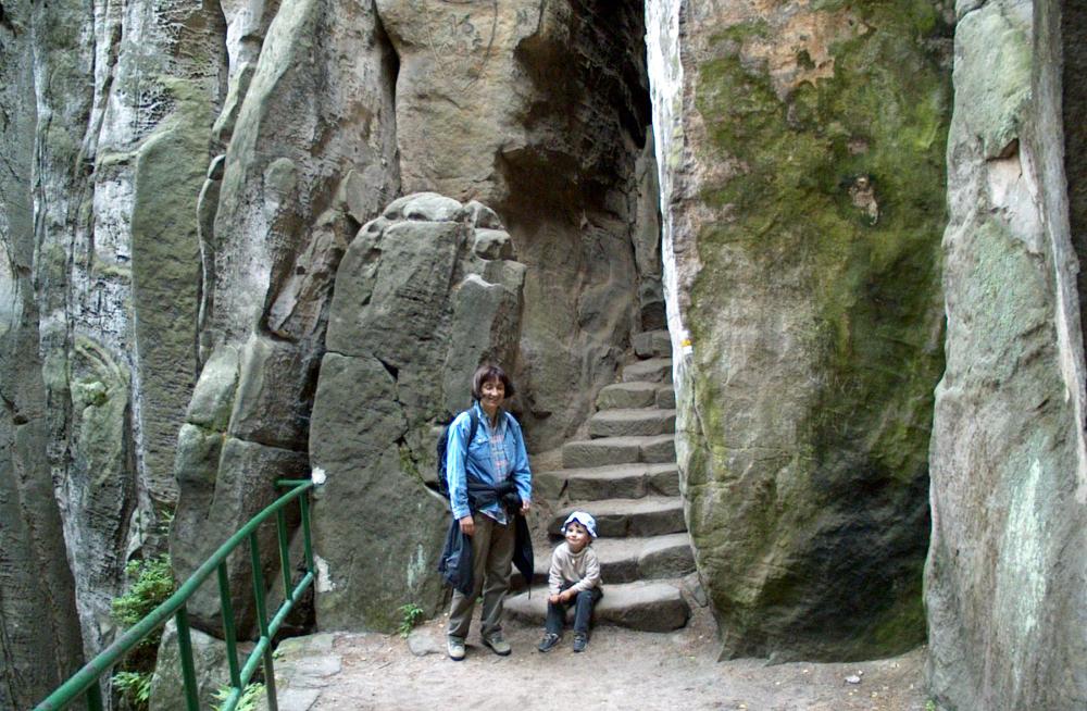 1000 jicsini sziklak regi (2)