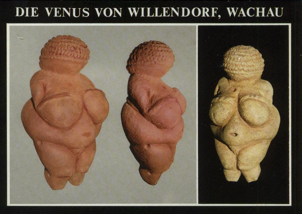 A willendorfi Vénusz egy képeslapon