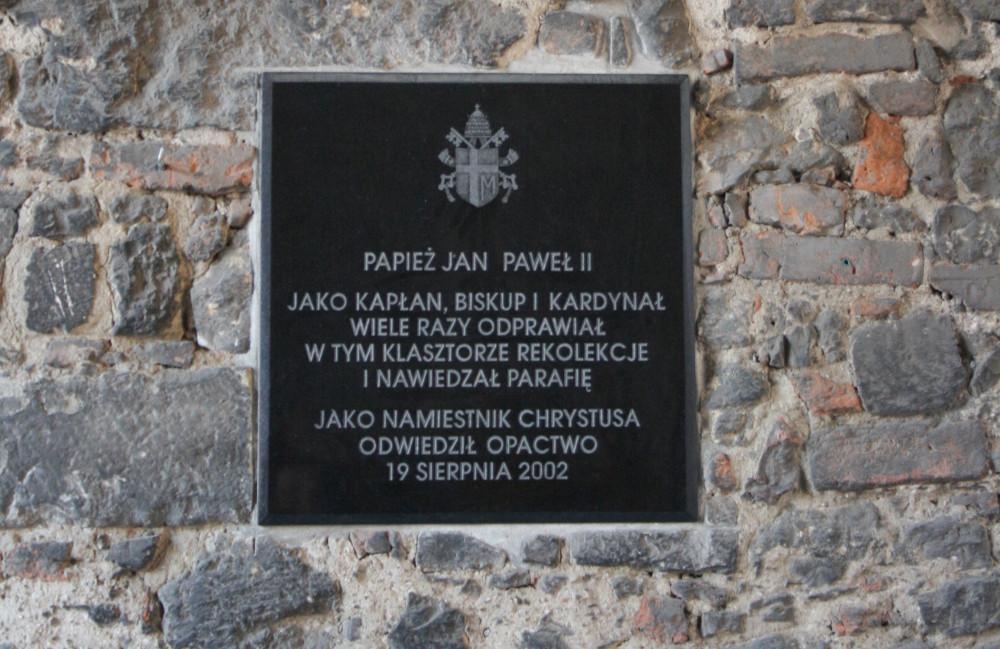 A pápa emléktáblája - Fotó: Barna Béla