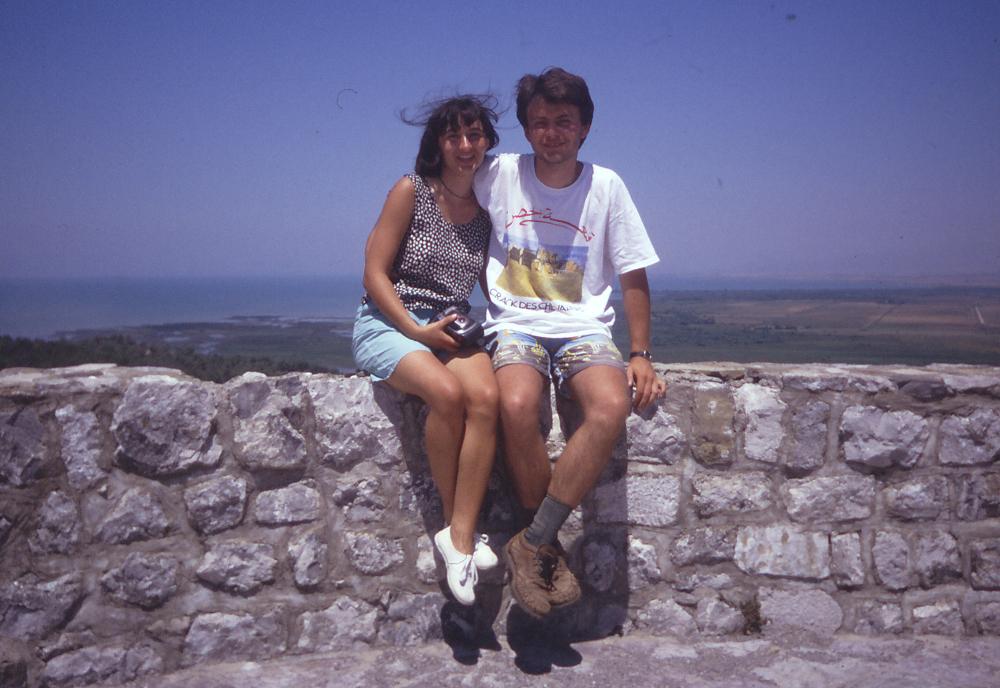 Shkodrában, 1996-ban: 22 évesen az Albán-Alpokba indulás előtt
