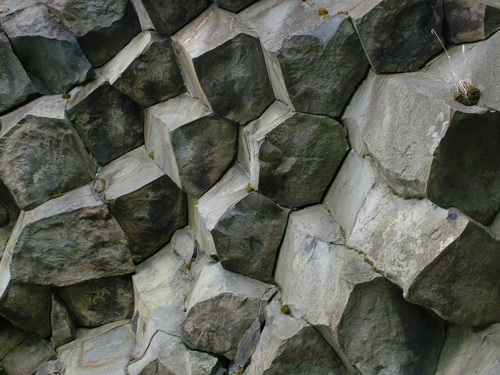 Oszlopos bazalt - Fotó: Barna Béla