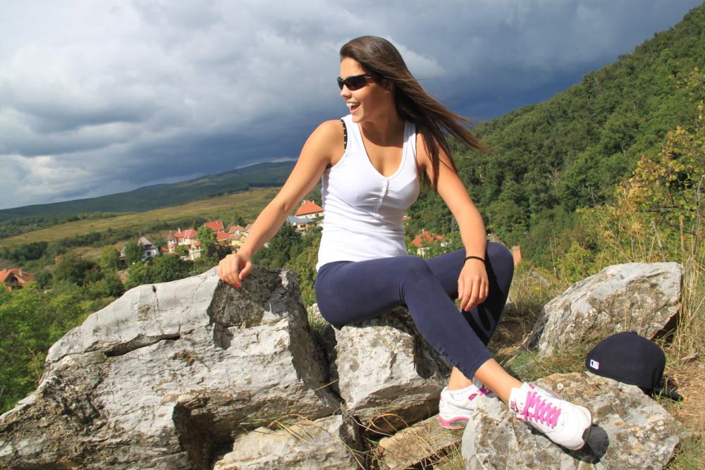 Túránk végcéljánál a Kő-közi sziklák - Fotó: Barna Béla