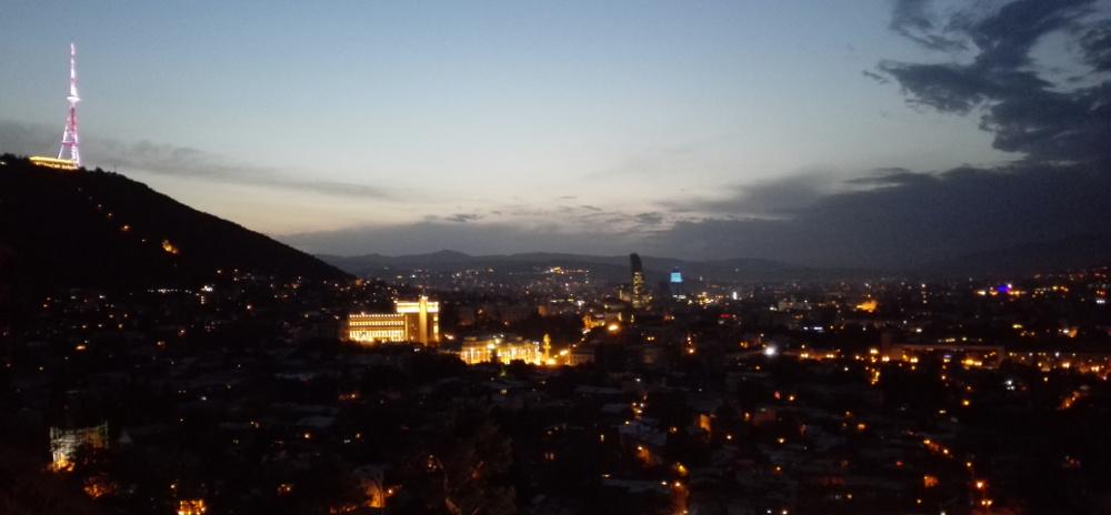 Alkonyi fényekben a hegy - Fotó: Barna Béla