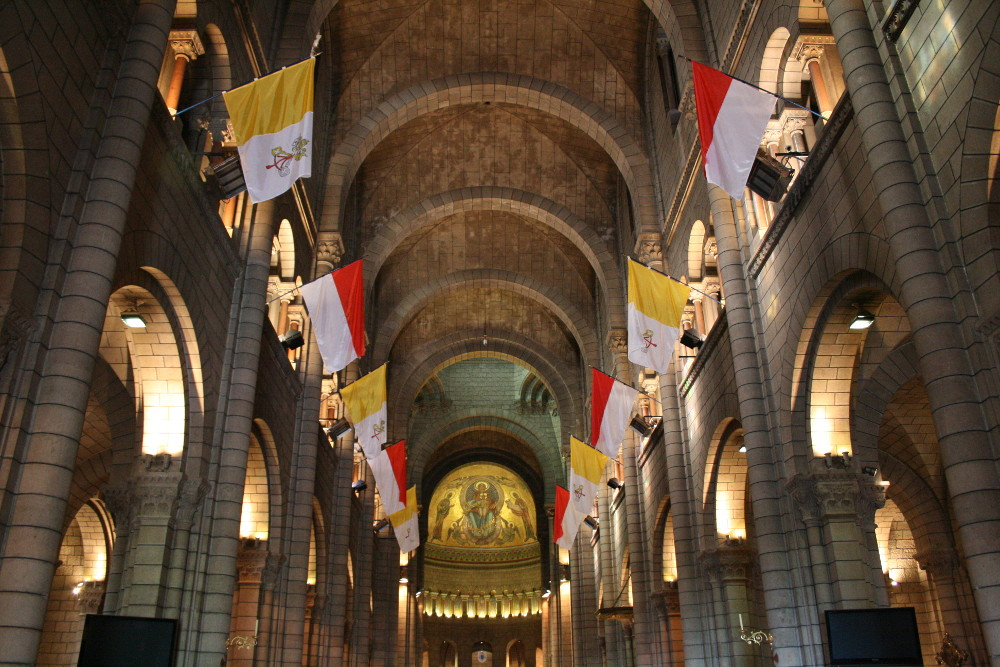 A katedrális belseje - Fotó: Barna Béla
