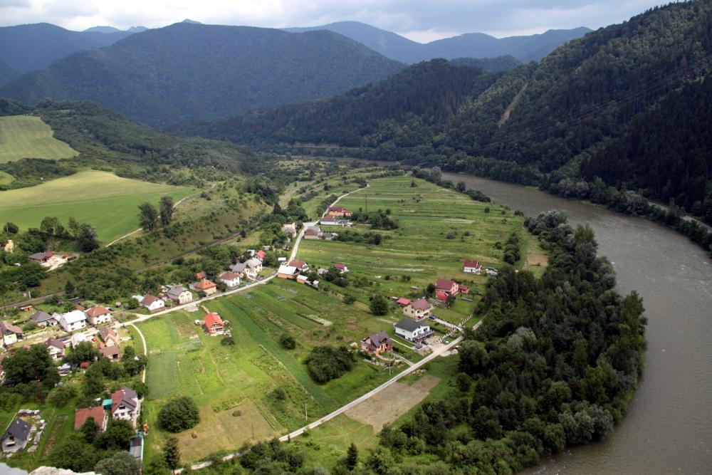 A Vág folyó a várból - Fotó: Barna Béla