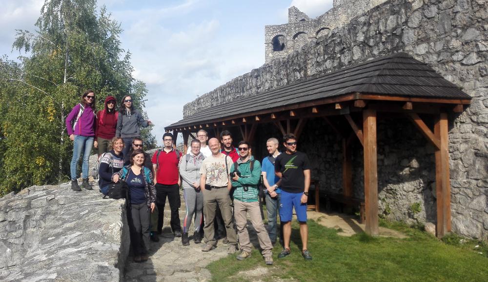 Békatutajos csapattal Sztrecsény várában 2016. szeptember 23-án - Fotó: Barna Béla